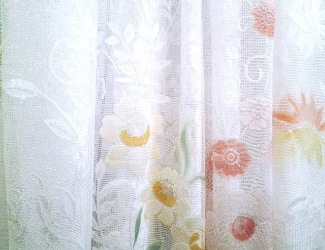 Тюль (ткань): виды, какая она бывает, из чего делают, названия материла