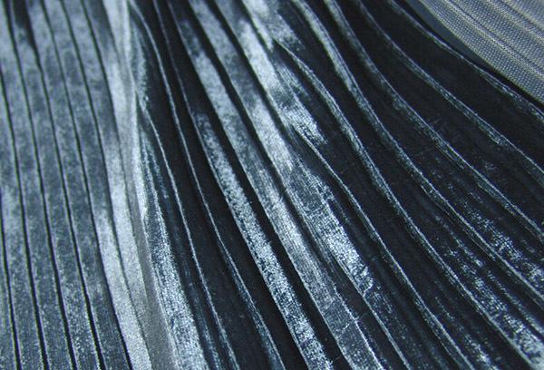 Велюр: это что за материал, как выглядит ткань для обуви и для одежды