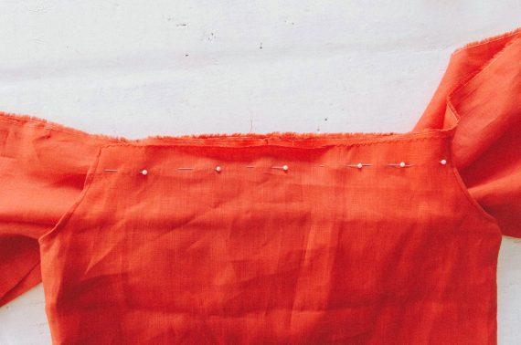 Платье с воланом на плечах: выкройка, как сшить на резинке своими руками