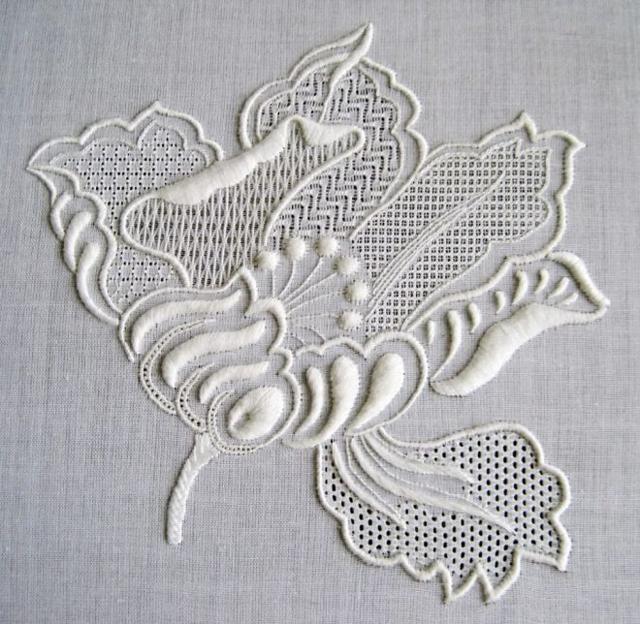Объемная вышивка гладью и шерстяными нитками для начинающих, пошагово