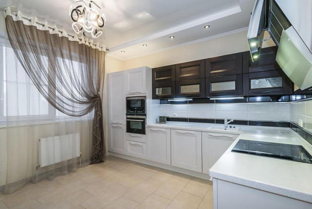 Тюль на кухню: как сшить длинную или короткую штору своими руками, какую выбрать