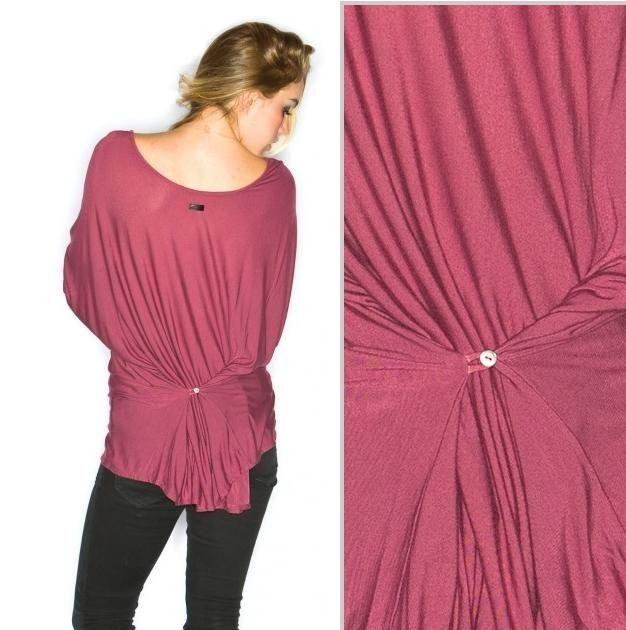 Как ушить футболку по бокам и горловину на ней в домашних условиях на размер