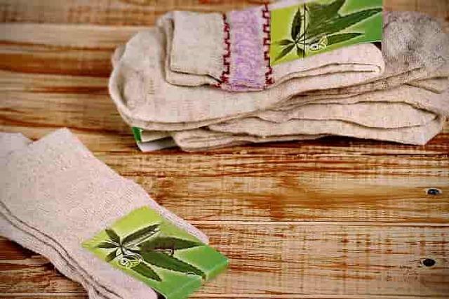 Одежда из конопляной ткани: особенности рубашек, джинс и других изделий