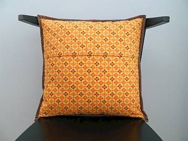 Как вшить молнию в наволочку для подушки: потайную, пошагово, мастер класс