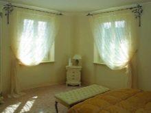 Тюль в спальню без штор: как красиво повесить, дизайн в интерьере