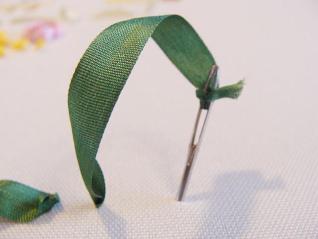 Вышивка на ленте цветов: мастер класс для начинающих пошагово, схемы