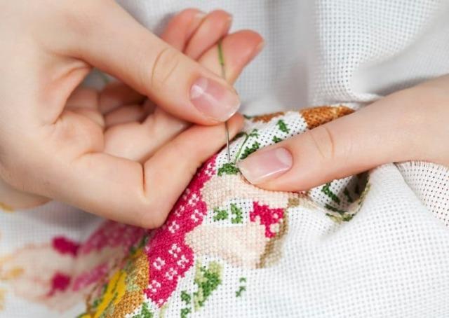 Как постирать вышивку крестом на канве после окончания чтобы она не полиняла
