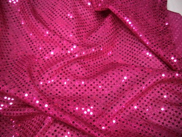 Паетки или пайетки: что это такое, виды на одежде, из чего сделаны