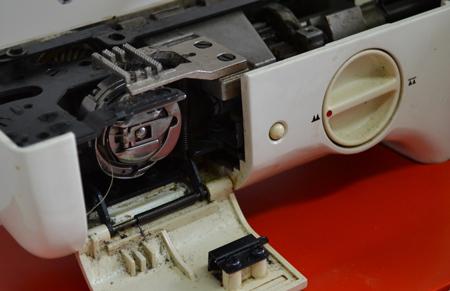 Челнок в швейной машине: что это, горизонтальный, качающийся, вертикальный