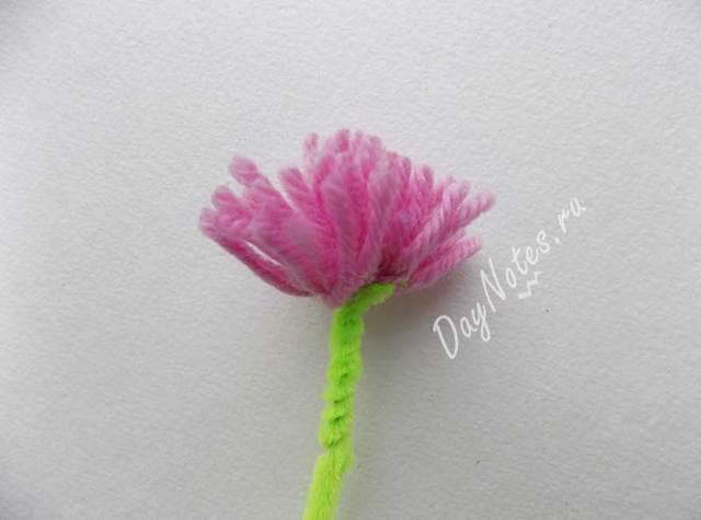 Цветы из ниток своими руками: мастер-класс, делаем на картоне для детей