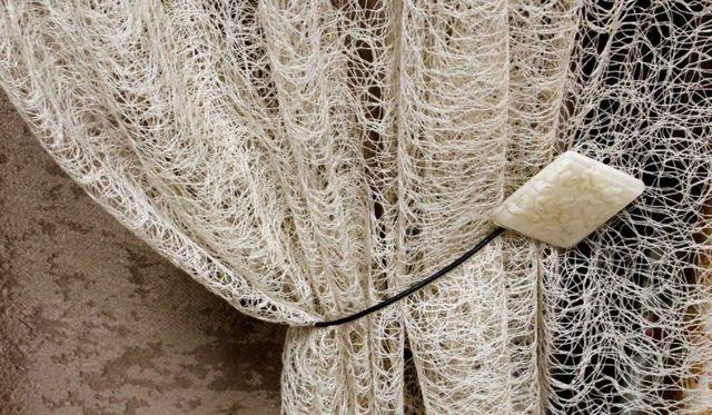 Тюль в полоску горизонтальную: полосатая портьерная тюль в интерьере