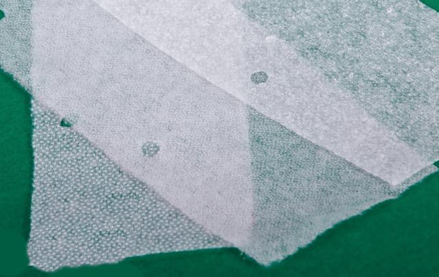 Флизелин клеевой для ткани: как приклеить утюгом, как использовать правильно